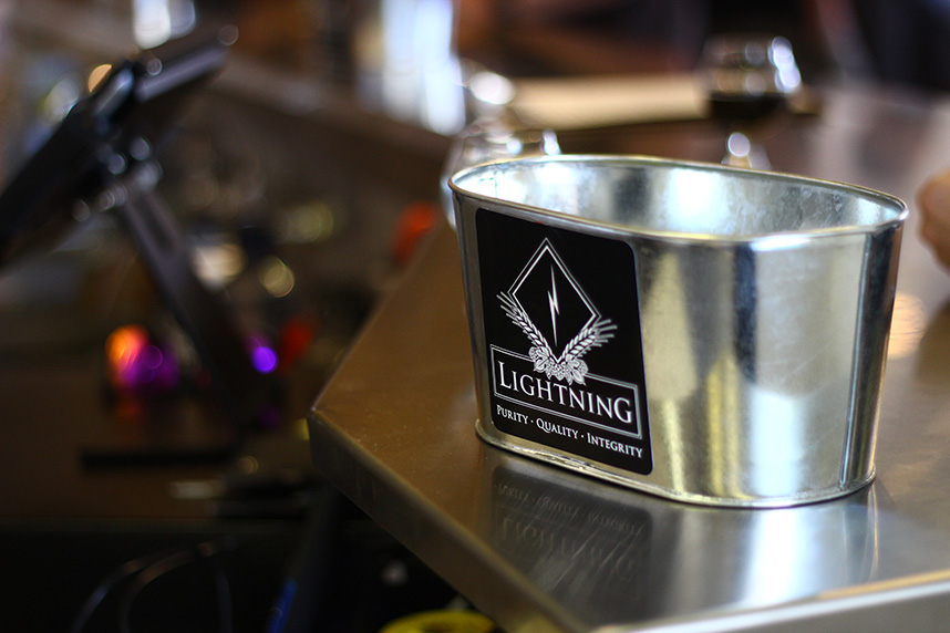 Bakingbrew_lightning_4
